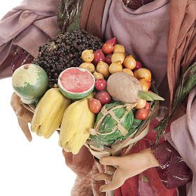 Donna con cesto di frutta 30 cm presepe Napoli s4