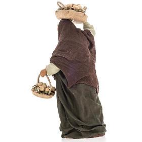 Donna anziana con uova 14 cm s4