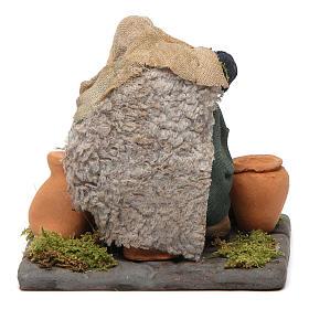 Neapolitan Nativity figurine, man repairing amphorae, 10 cm s4