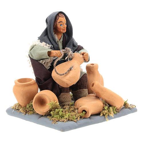 Neapolitan Nativity figurine, man repairing amphorae, 10 cm 7