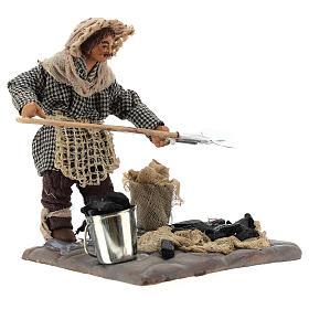 Neapolitan Nativity figurine, charcoal burner with base, 10 cm s3