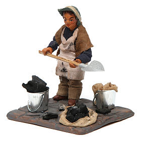Neapolitan Nativity figurine, charcoal burner with base, 10 cm s2