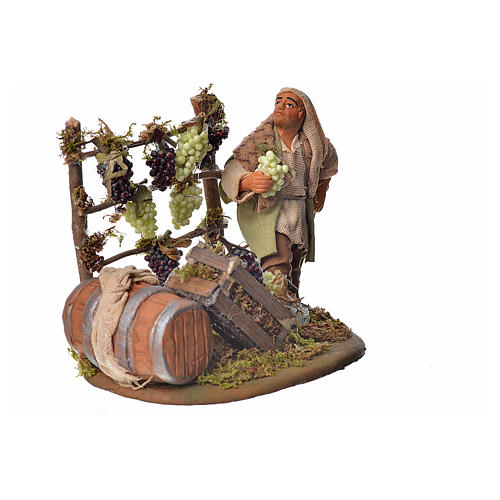 Neapolitan Nativity figurine, man harvesting grapes, 10 cm 2