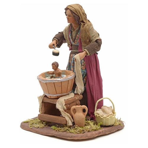Mujer que lava al niño 24cmm pesebre napolitano 2