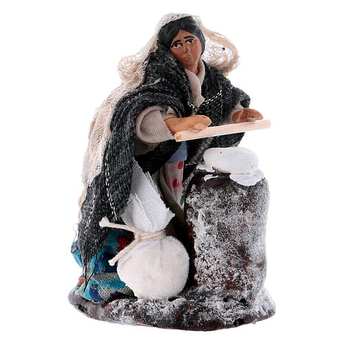 Neapolitan Nativity figurine, woman kneading dough, 8 cm 2