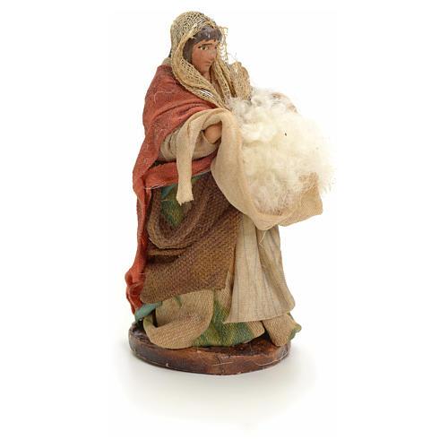Neapolitan Nativity figurine, woman with wool, 8 cm 2