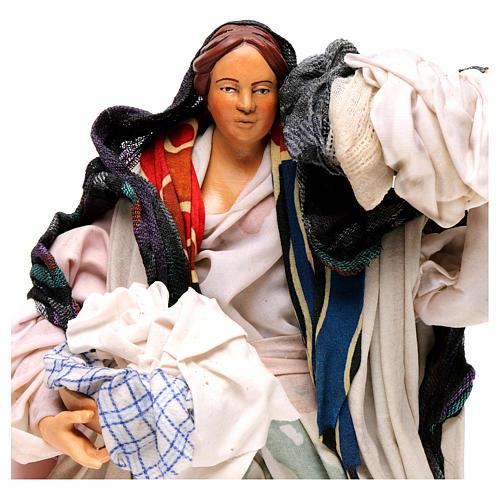 Donna con cesto di panni 30 cm presepe napoletano 2