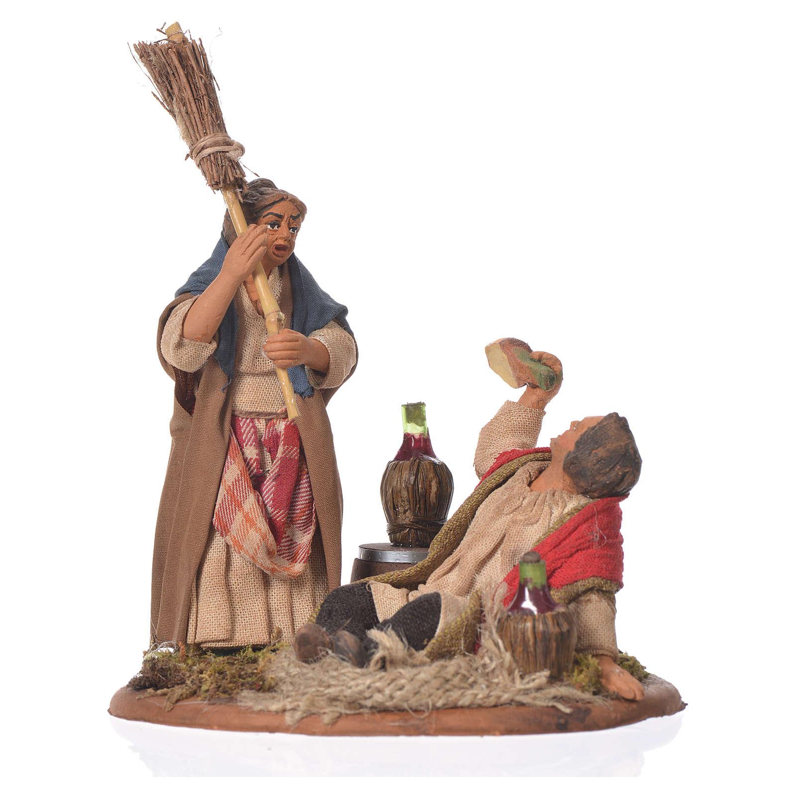 Scena ubriaco e donna con scopa 10 cm presepe Napoli 4