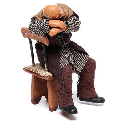 Pijak śpiący na krześle 12 cm szopka z Neapolu 3
