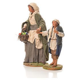 Mamma con bimbo per mano 24 cm presepe Napoli s2