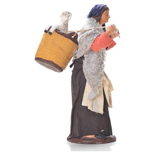 Donna cesto pecora dietro 14 cm presepe napoletano 3