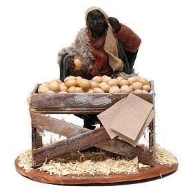 Venditore con banco di uova 10 cm presepe Napoli s1