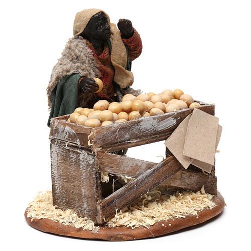 Venditore con banco di uova 10 cm presepe Napoli 3