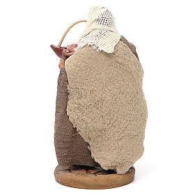 Man holding basket of cured meats, Neapolitan nativity figurine 10cm s3