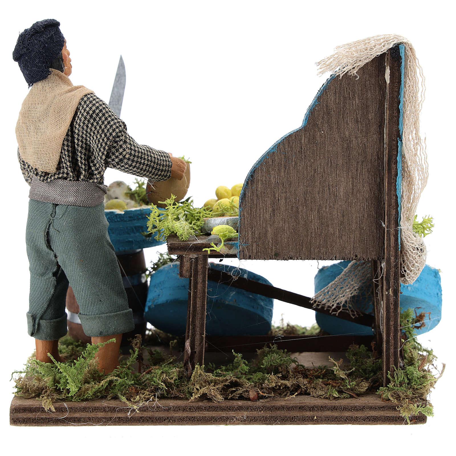 Pescivendolo con banco di legno 12 cm presepe Napoli 4
