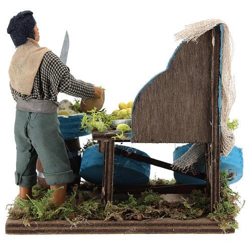 Pescivendolo con banco di legno 12 cm presepe Napoli 5