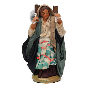 Neapolitan Nativity Scene: Woman carrying fabric, Neapolitan nativity figurine 10cm