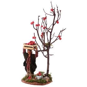 Hombre cesta de manzanas y árbol 10 cm de altura media Nápoles s2