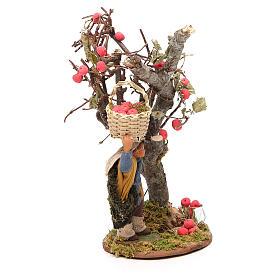 Uomo cesto di mele e albero 10 cm presepe Napoli s4