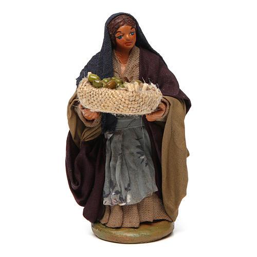Donna cesto olive in mano 10 cm presepe Napoli 1