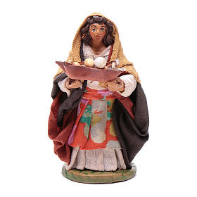 Woman with leather basket in hands 10cm neapolitan Nativity s1