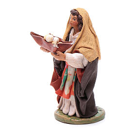 Woman with leather basket in hands 10cm neapolitan Nativity s2