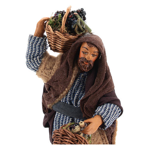 Man with grapes basket in leather 10cm neapolitan Nativity 2