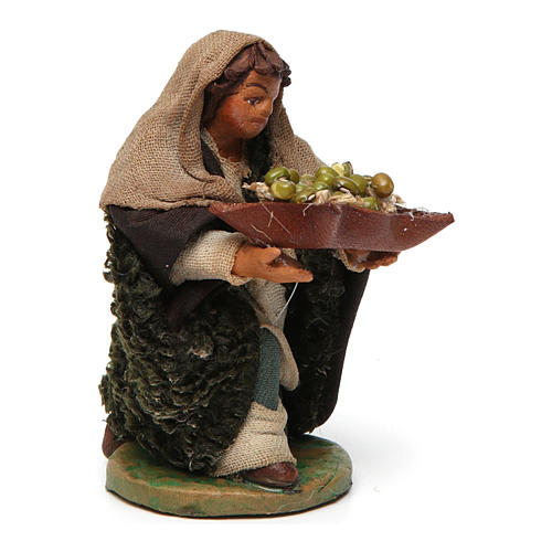 Kneeling Man with basket of olives 10cm neapolitan Nativity 3