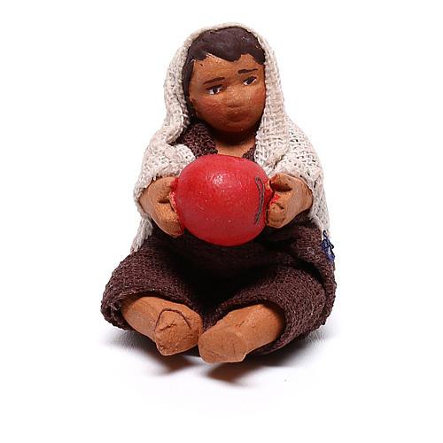 Enfant avec ballon assis 10 cm crèche napolitaine 1
