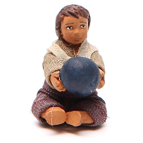 Fanciullo con palla seduto 10 cm presepe napoletano 1