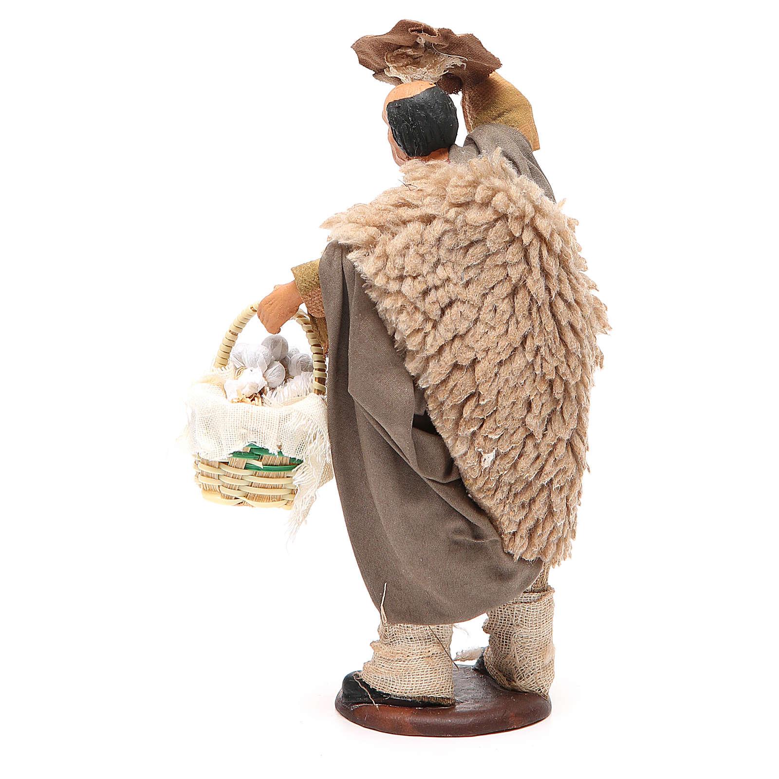 Uomo con cappello e cesto aglio 14 cm presepe Napoli 4