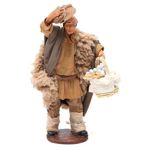 Uomo con cappello e cesto aglio 14 cm presepe Napoli 1