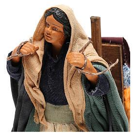 Mujer con telas 14 cm Belén Nápoles s2