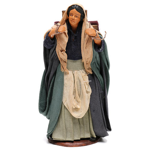 Mujer con telas 14 cm Belén Nápoles 1