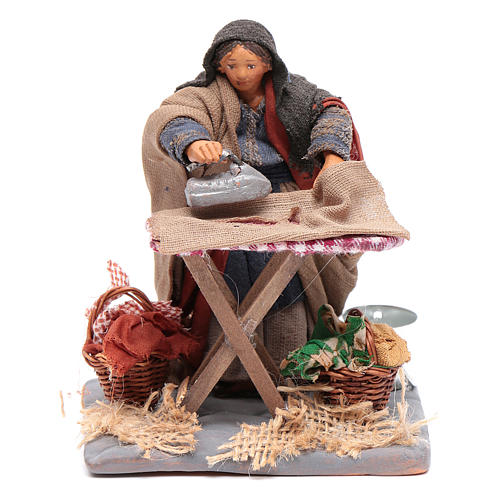 Woman ironing 10cm, Neapolitan Nativity figurine 1