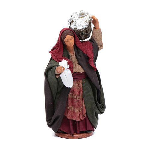 Donna con cesto di ricotta 12 cm 1