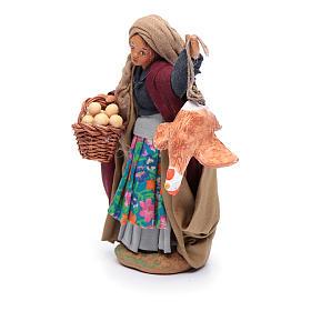 Donna con gallina appesa e cesto di uova 12 cm presepe napoletano s2