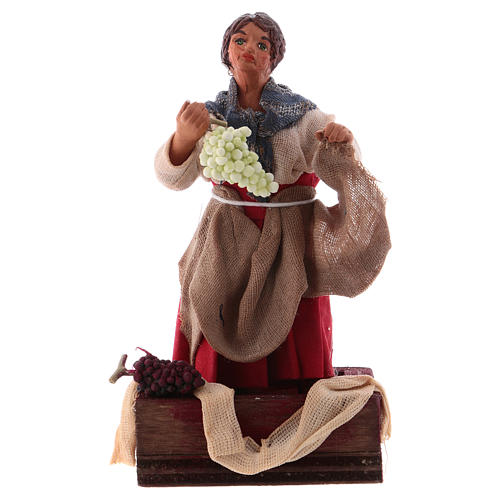 Donna mentre pigia uva 12 cm presepe napoletano 1