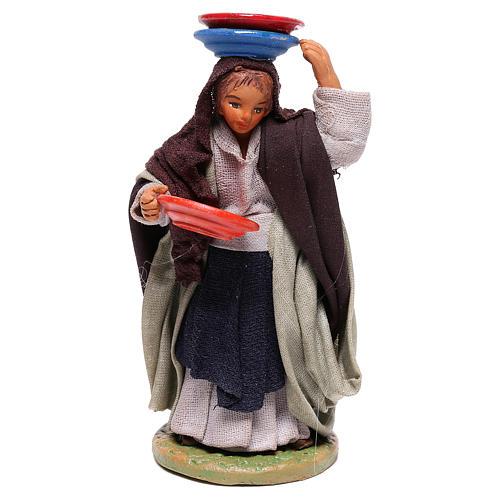 Mujer con platos 12 cm belèn napolitano 1
