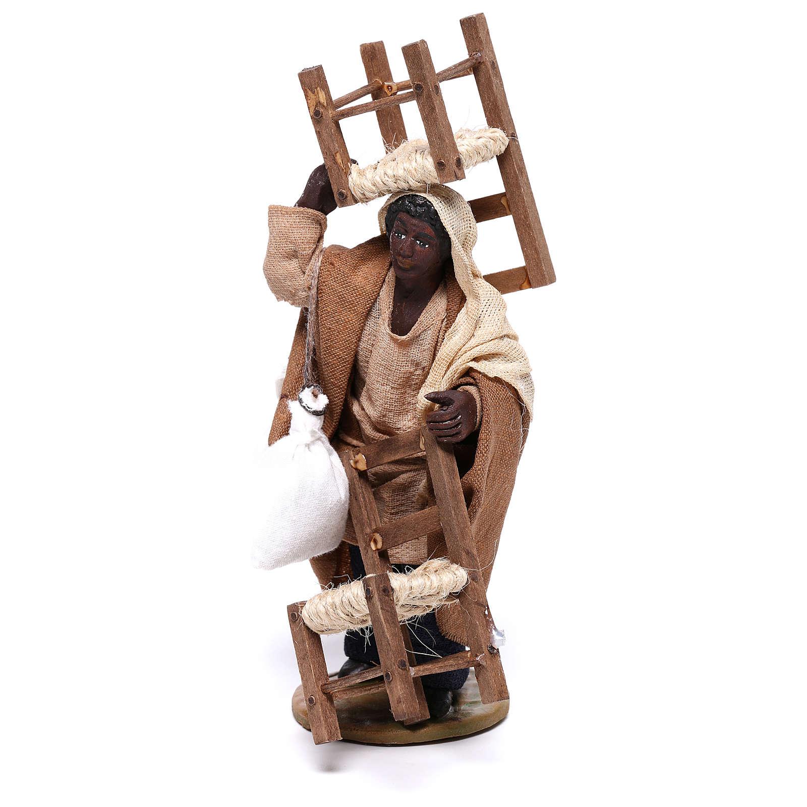 Uomo moro con sedia in testa e in mano 12 cm presepe Napoli 4