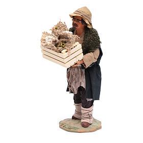 Uomo con cassetta in mano 24 cm presepi napoletani s2