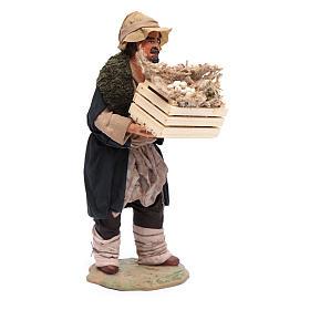 Uomo con cassetta in mano 24 cm presepi napoletani s4