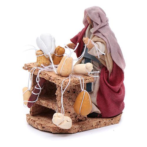 Donna con salumi e formaggi 8 cm presepe napoletano 2