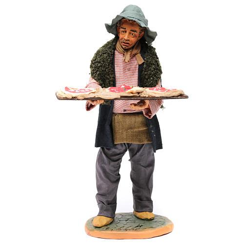 Uomo con le pizze 30 cm presepe di Napoli 1
