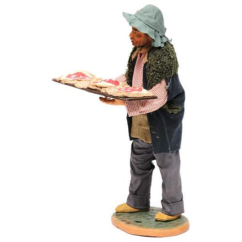 Uomo con le pizze 30 cm presepe di Napoli 2