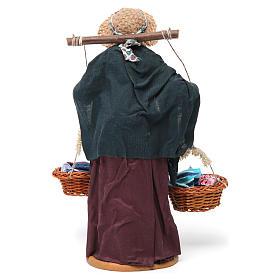 Donna con cesti di panni presepe napoletano 30 cm s5