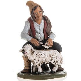 Presépio Terracota Deruta: Pastor que tosquia a ovelha em terracota para presépio de Deruta com figuras de  18 cm altura média