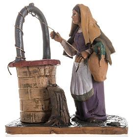 Santon crèche terre cuite femme au puits 18 cm s1