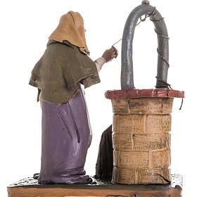 Santon crèche terre cuite femme au puits 18 cm s4