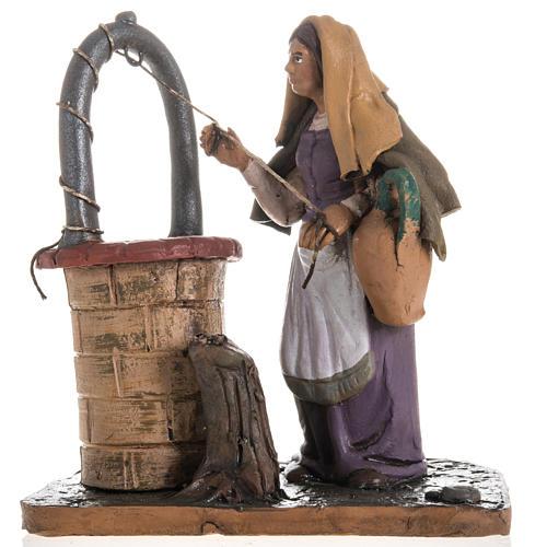 Santon crèche terre cuite femme au puits 18 cm 1